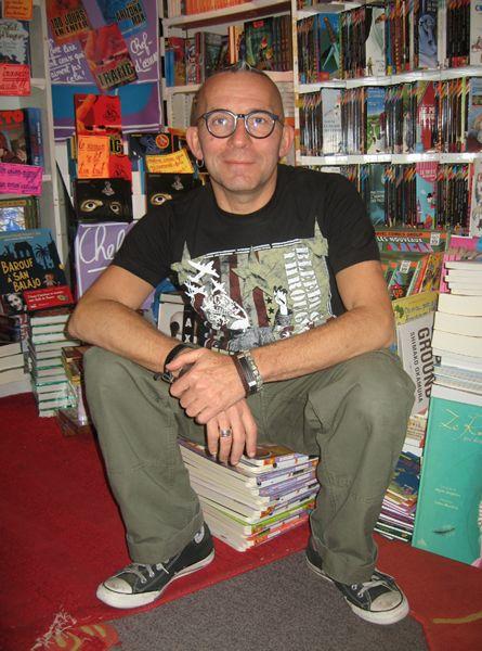 Gérard Collard, libraire à La Griffe Noire ( Saint Maur) D.R