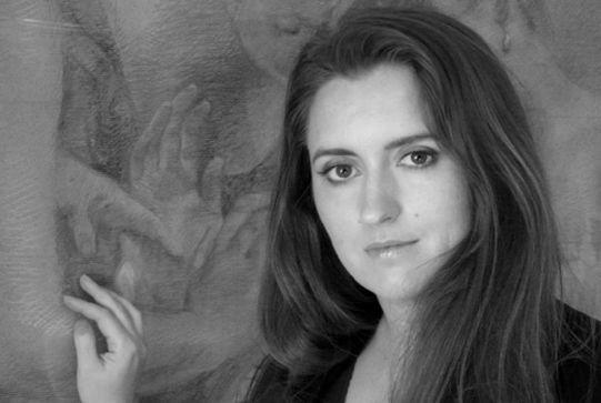 Sophie de la Villefromoit née un crayon au bout des doigts