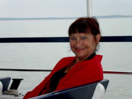 Jacqueline Caux