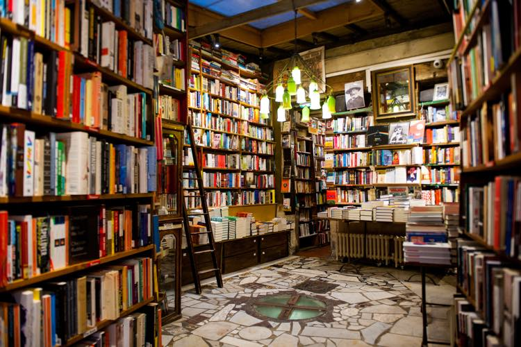SHAKESPEARE & CO - Paris Librairie