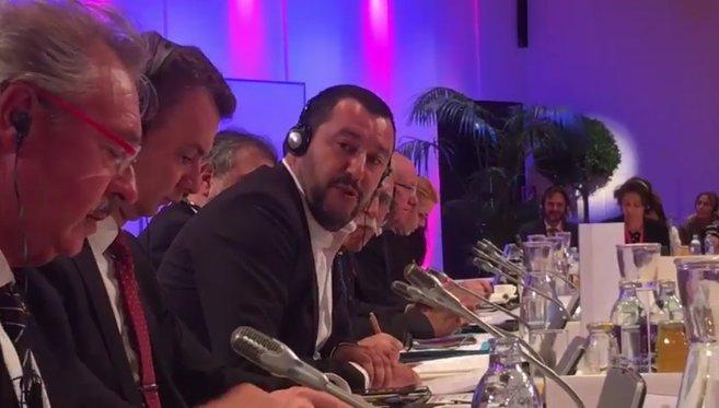 Formidable Salvini, qui ramasse le Luxembourg devant tous les ministres de l'Intérieur de l'UE !