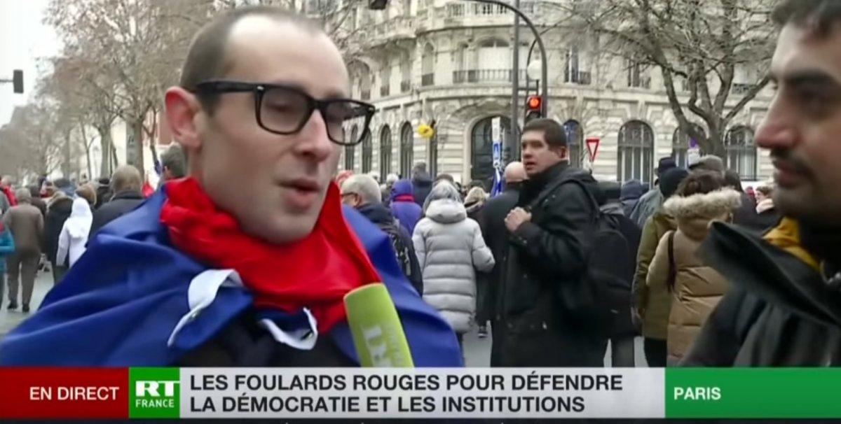 mignonne dernière sélection Garantie de satisfaction à 100% Foulards rouges : «L'UE doit imposer sa volonté aux peuples ...